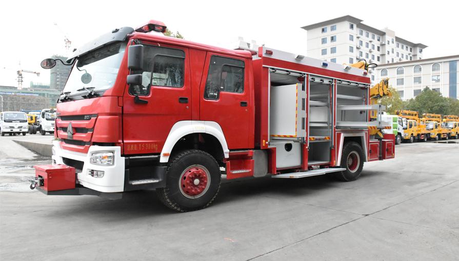 陕西旬邑县新购置一辆重汽抢险救援消防车