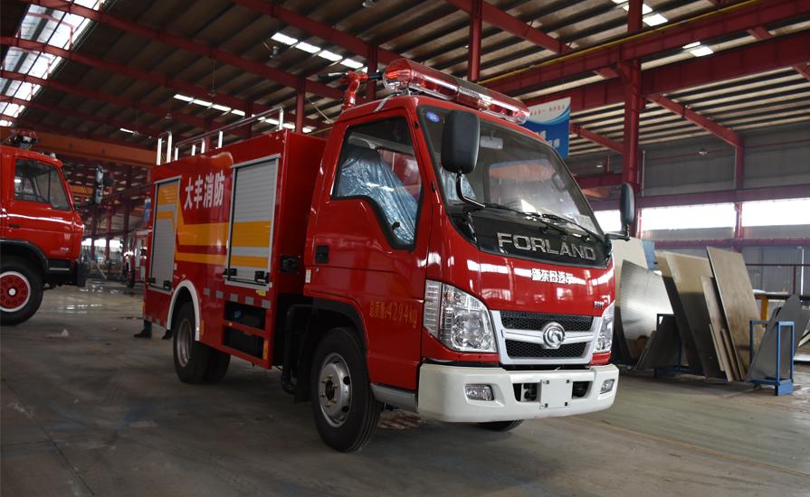 夜晚中最亮的抢险救援消防车