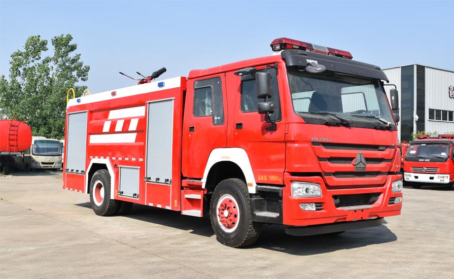 消防车厂家新东日专汽呼吁社会:为消防车让行,为生命让道